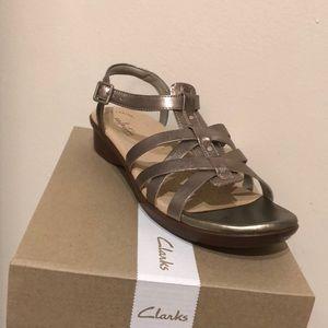 Clark's Loomis Katey Sandals